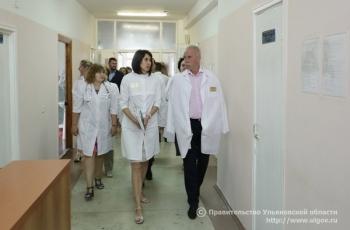 Губернатор Сергей Морозов в ходе посещения областной клинической больнице